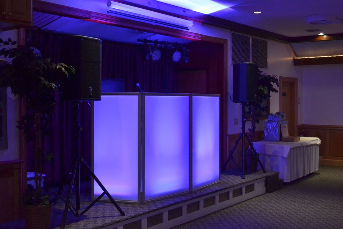 Massachusetts Wedding DJ At The Commercial Club East